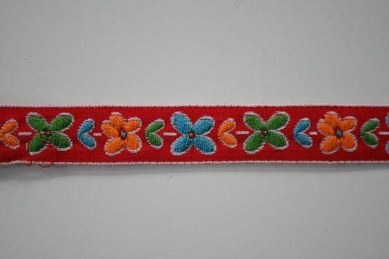 Nog meer folklore lint!  3,2 cm breed, 1,95 p/m:  Pencil Case, Folklore Lint, More, Meer Folklore, Folk Favourites, Floral Folk