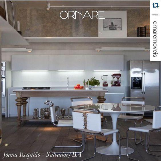 A arquiteta Joana Requião projetou um espaço amplo e organizado. Com a linha Satyrium na cor branca a cozinha que possui teto alto destaca-se pela decoração e toque de modernidade.  #joanarequiao #ornare #ornare30anos #highqualityoflife #arquitetura #design #modernidade #espaco #organizacao #corbranca #decor #interiores #homestyle #homedesign #inspiracao #amazing #archidaily #urban #decorations #architecture by ornaremanaus http://discoverdmci.com