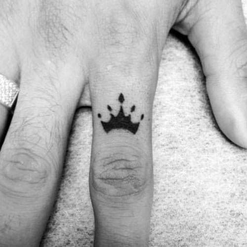 Small Simple Tattoos For Men 101 Best Small Simple Tattoos For Men 2019 Guide Crown Tattoo Men Crown Finger Tattoo Tattoos For Guys