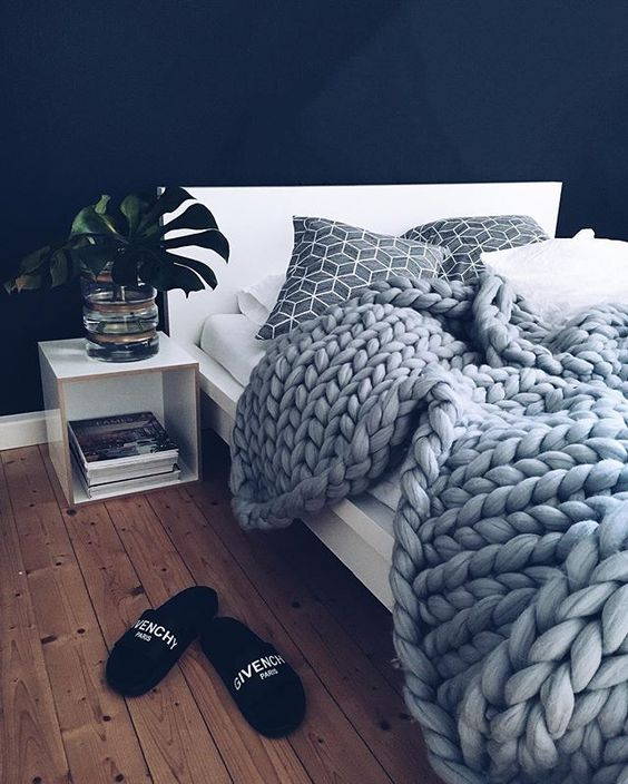 Gorgeous photo of our grey blanket by @______sebastian (psst: go to his blog to get a 10% discount code)
