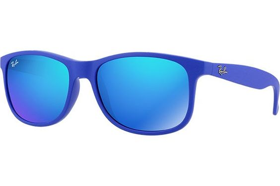 a9c1c545f25fe5 ray ban zonnebril blauwe spiegelglazen - Zwarte Zonnebril met Blauwe  Spiegelglazen .