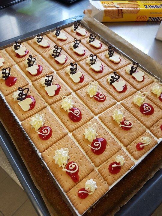 Rote Grutze Kuchen Von Karaburun Chefkoch Rezept Rote Grutze Kuchen Lecker Kuchen
