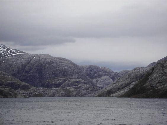 FIORDOS CHILENOS.  XII Región de Magallanes y Antártica Chilena.