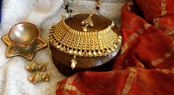 Gold Tone Stunning necklace with Long Earrings and Tikli - by Banyan Jewelry at #ShopBollyWear  #fashion #jewelry #jewellers #fashion #Antique #jewellery