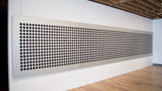 Microtonal Wall Tristan Perich 1500 altavoces, cada uno juega una sola frecuencia microtonal, colectivamente abarca 4 octavas. Encargado en parte por Rizoma, con apoyo adicional de la Galería Addison. http://www.tristanperich.com/