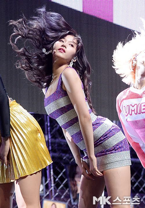 10 Sexiest Pictures From Twice S What Is Love Comeback Stage