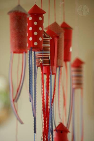 des rouleaux de carton habillés de feutrine, + rubans