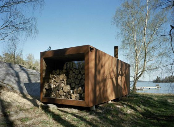 This container, even though it is rusted steel covered is good looking. container home