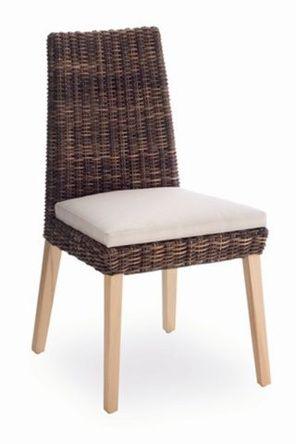 Silla de comedor con estructura de madera y trenzado for Sillas rattan comedor