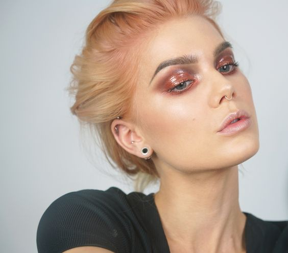 Glossy Henna- Linda Hallberg: