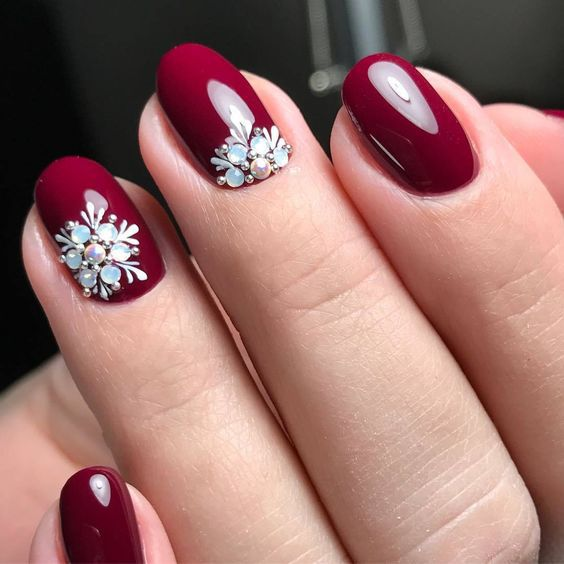 59 Christmas Nail Art Ideas For Early 2020 Nails Design With Rhinestones Trendy Nail Art Designs Christmas Nail Art Designs