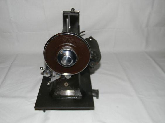 white rotary sewing machine model 77