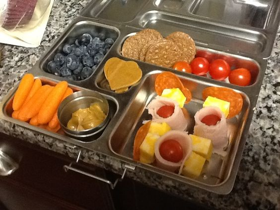 40 days of gluten free kids lunches not a fan of all the processed meats but gives me ideas for Ella's lunches. :)
