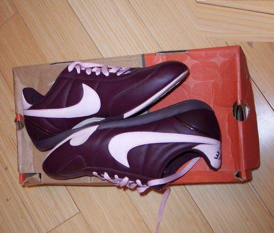 Kozni Nike zenski patiki, - http://mojagarderoba.mk/items/chevli/141666/kozni-nike-zenski-patiki-40-5