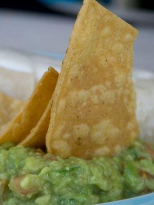 Receita de guacamole gera discussão no Twitter e até Obama entra na briga Apaixonado por comida mexicana, o presidente dos Estados Unidos defendeu a preparação clássica da iguaria e discordou da nova receita, que acrescenta ervilhas
