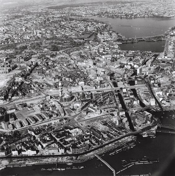 Elbe (vorn) und Alster, 1961