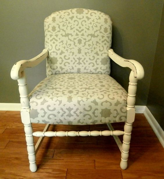 This is exactly like the chair I have torn apart in the garage minus the front rung. Need to find someone to turn me one.