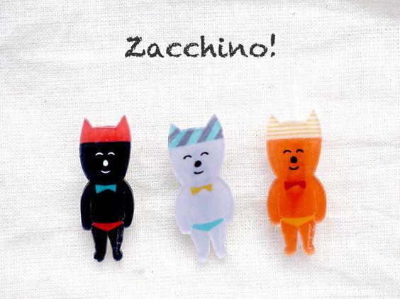 穏やかなネコをモチーフにしたゆるいイラストブローチです。洋服やバッグのアクセントにどうぞ。※価格は1つの値段です注文時にお好きな絵柄(A〜C)をお選び下さい※... ハンドメイド、手作り、手仕事品の通販・販売・購入ならCreema。