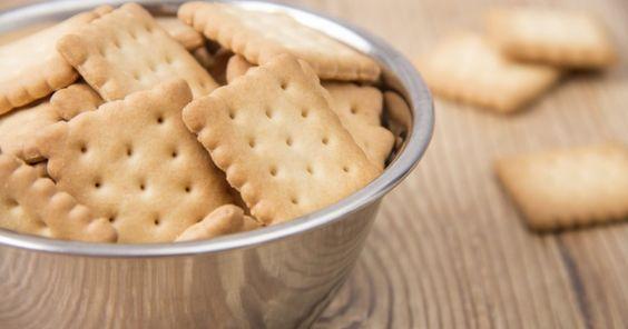 Das Rezept für Butterkekse ist ganz einfach, sodass Sie die leckeren Plätzchen problemlos selber backen können. Ob Sie die Kekse als kleine Leckerei für Ihre Kinder oder selbst zum Tee oder Kaffee genießen, bleibt Ihnen überlassen.