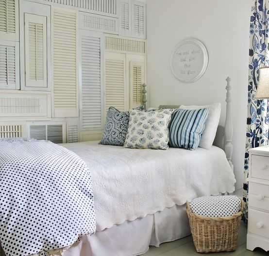 shutter-wall-blue-and-white-room.jpg 554×527 pixels