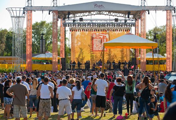 Busch Gardens Tampa Bay heats up with Latin cuisine and award-winning artists during Viva la Musica.