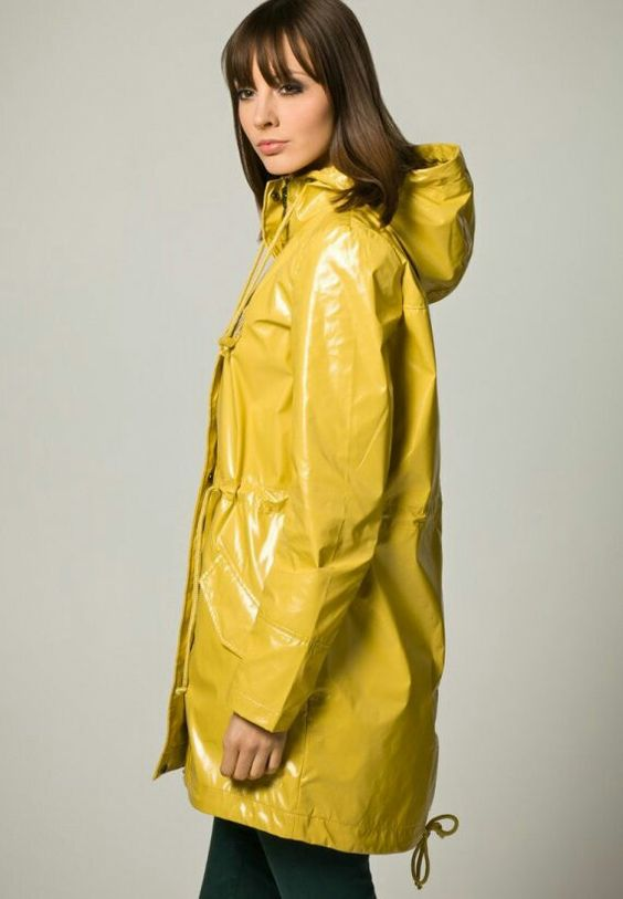 yellow raincoat yellow pinterest gelb und regenmantel. Black Bedroom Furniture Sets. Home Design Ideas