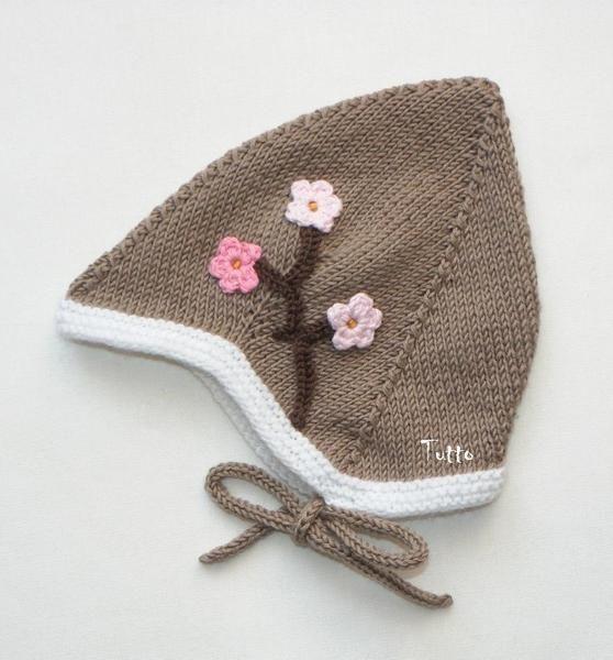 Babymütze braun mit rosa Blumen handmade from Tutto by DaWanda.com