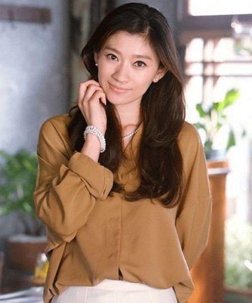 働くかっこいい女性像の篠原涼子