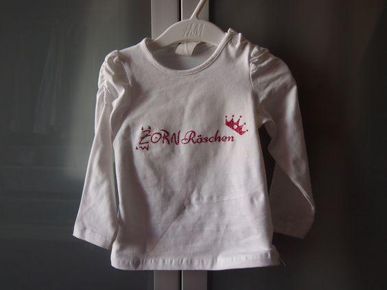 """Kindershirt """"Hallo Trotzphase!"""" - individuelle Grafik, geplottete Glitzer-Flex Folie inkl. Strass-Steinchen"""