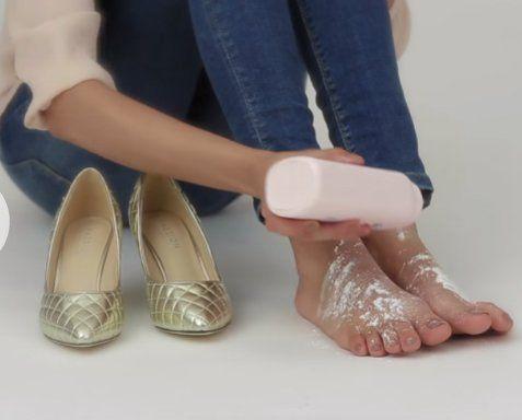 10 Increíbles Y Fáciles Trucos Para Hacer Que Los Zapatos Incómodos Ya No Te Causen Más Problemas Zapatos Cómo Agrandar Zapatos Zapatos De Piel