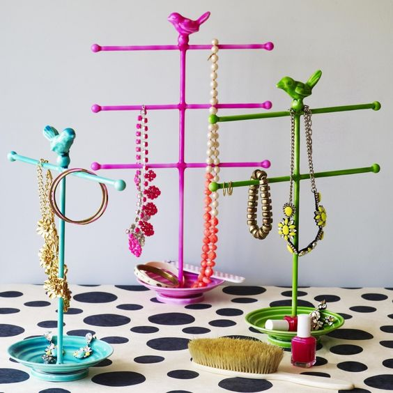 Our brightly coloured jewellery stands with a pretty bird perched on the top are a treat. They are perfect to display your jewels and to add a punch of vibrant colour to your dressing table.Iron. Height 45 cm.