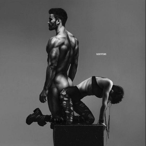 мужское тело откровенные фото