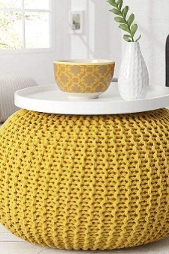 Gute Laune inklusive  Gelb steht für Licht, Optimismus und Freude. Es lindert Ängste und Depressionen. Außerdem lässt der Farbton kleine Räume größer wirken. Da es Konzentration und Kreativität fördert und sich auch anregend auf Unterhaltungen auswirkt, ist Gelb die ideale Farbe für alle kommunikativen Räume im Haus.