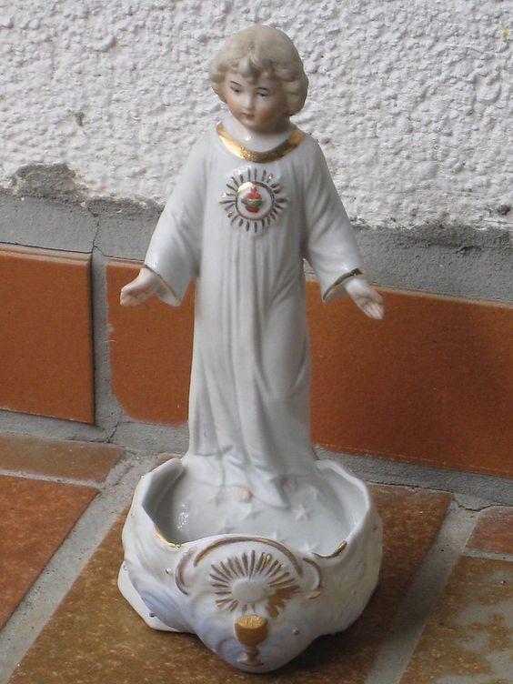 Alte Heiligenfigur / Heiligenfigur m. Weihwasserkessel