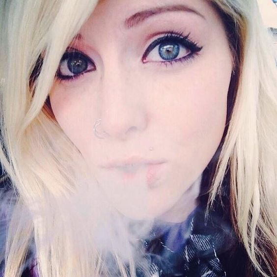 And the #beautiful #blueeyes of the day award goes to @miss_jay32