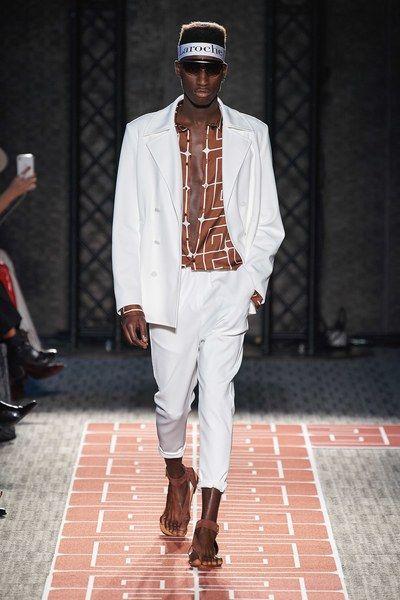 Guy Laroche Spring 2020 Ready To Wear Fashion Show Guy Laroche Fashion Paris Fashion Week Runway