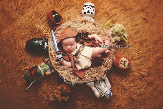 34 Geeky Baby Costumes Let Parents Pass the Torch of Geekdom to Their Newborns | Unique Hunters