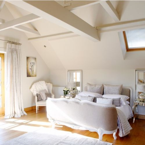 Light and sunny bedroom (image from House to Home):