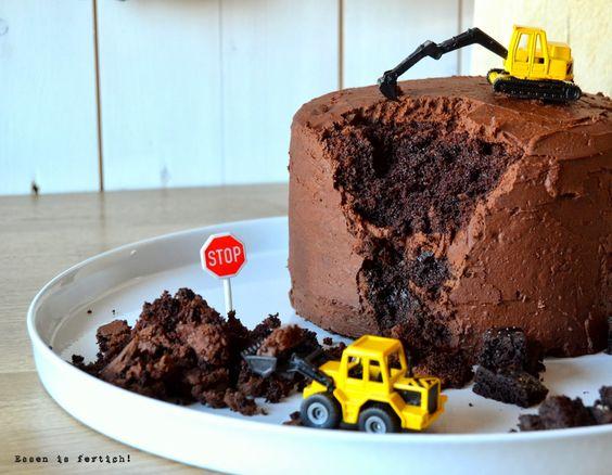 Essen is fertich!: Foto der Woche 9: Bagger und Kuchen