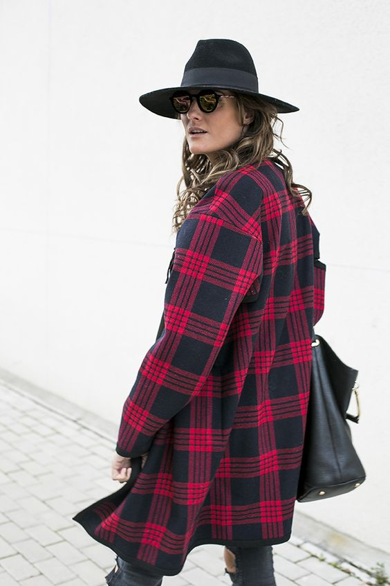 OUTFITS, black, tartan ,cape, zara studio, bohochic, hat, ripped jeans, topshop, 41 eyewear, seen, gafas de terciopelo, cristina blanco, spanish fashion blog, guia de estilo, guiadeestilo