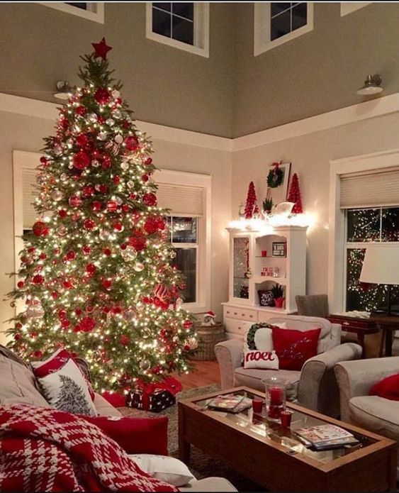 100 Warm Festive Red And White Christmas Decor Ideas Hike N Dip In 2020 Christmas Decorations Living Room White Christmas Decor Beautiful Christmas Decorations