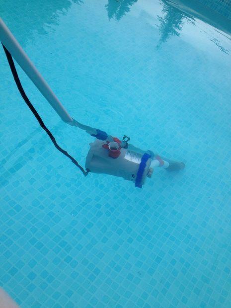 Vacuums diy and crafts and diy pool on pinterest for Aspiradoras para piscinas