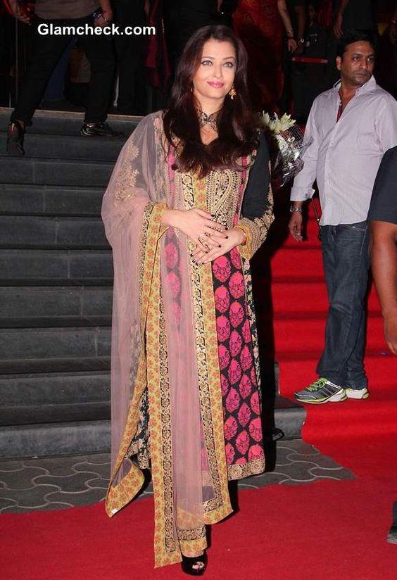 Aishwarya Rai Bachchan at Kochadaiiyaan Trailer Launch