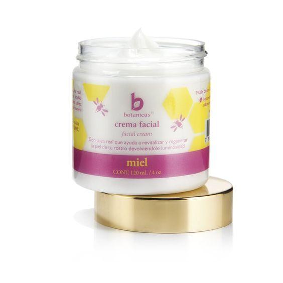 Crema Facial - Miel La Crema Facial de Miel está elaborada con miel de abeja natural, Jalea Real y vitamina E. Deja la piel suave y humectada. Gracias a sus ingredientes antioxidantes es anti envejecimiento.   Indicada para todo tipo de piel