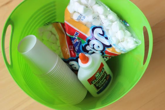 Little Minds at Work: Winter Explore Tubs! - Build an Igloo (can substitute cotton balls for marshmallows)