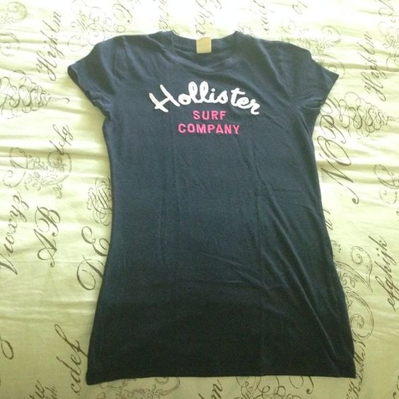 Hollister scoop neck Tee Hollister Tee. Made in Cambodia. Size small but stretches. Hollister Tops