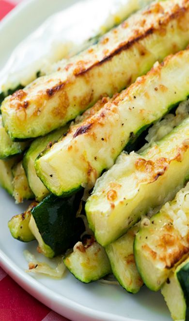 Davis Vision – Spice up your menu with Garlic Lemon and Parmesan Oven Roasted Zucchini. Zucchini will keepyour eyes fortified with vitamin A, which is crucial to protecting the eyesight from worsening. #recipe