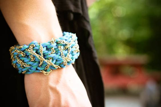 Utility cord and chain bracelet DIY. I really wish I knew how to come up with this stuff!
