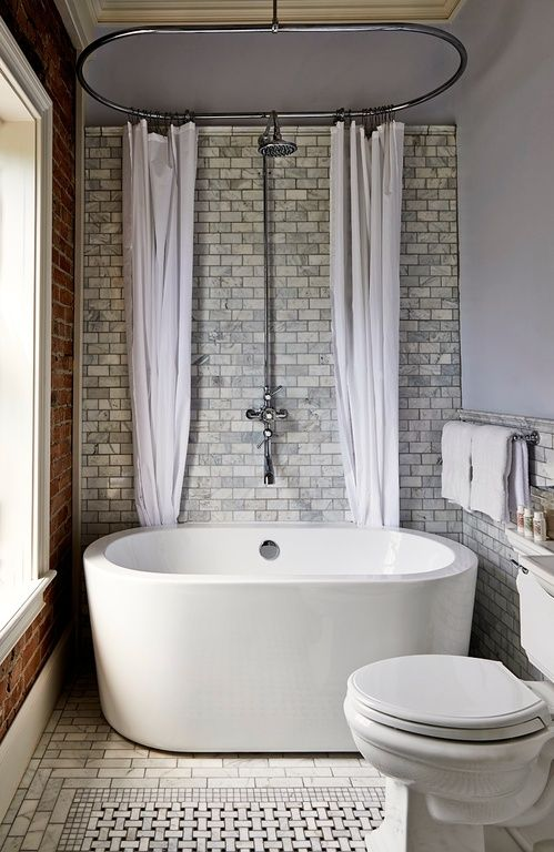 Transitional 3/4 Bathroom with Side-mount shower curtain rod, Freestanding, Rain shower, ceramic tile floors