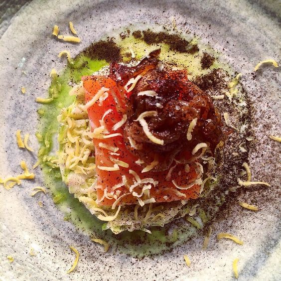 Cured salmon bbq onion leeks confit yolk parsley & mustard #instagood #artofplating #gastroart #foodporn #potd #theartofplating #photooftheday #igers #iphoneonly #instagramhub #food #iphoneography #instahub #cotswolds #ebrington #ebringtonarms #sharefood #chefsofinstagram #thestaffcanteen #chefstalk #chefsroll by jonnyhmills